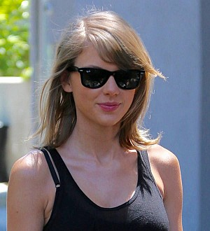 Taylor Swift asks celebrity audience members for cameos on tour
