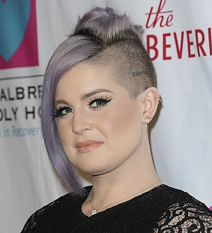 Kelly Osbourne narrowly avoids putting new puppy in washing machine