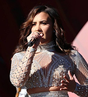 Demi Lovato backs pal's cancer appeal for sick mother