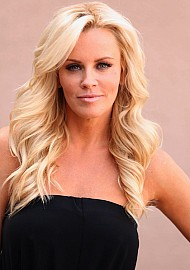 3 Quick Q's with Jenny McCarthy!