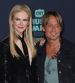 Nicole Kidman & Keith Urban finally hook up to celebrate 10 years of marriage