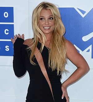 Britney Spears' fame doesn't prevent 'awkward' dates