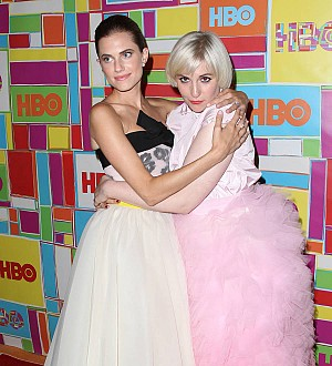 Lena Dunham and Allison Williams have Girls finale viewing party