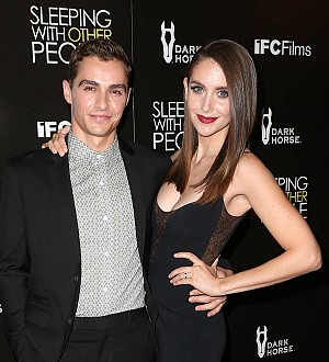 Dave Franco's wedding ring too small for fat finger