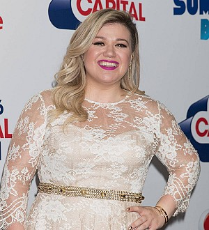 Kelly Clarkson dreams of starring in White Christmas remake