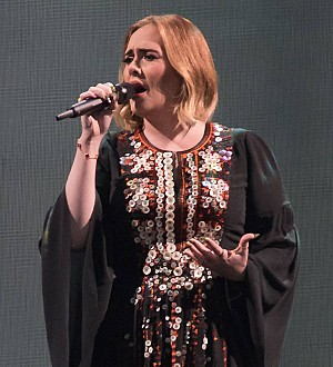 Adele pays musical tribute to Amy Winehouse