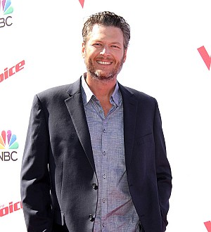 Blake Shelton takes on Twitter troll