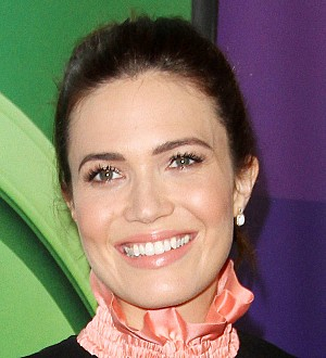 Mandy Moore gets stitches after shower accident