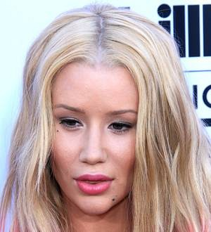 Iggy Azalea feuds with record label over new track