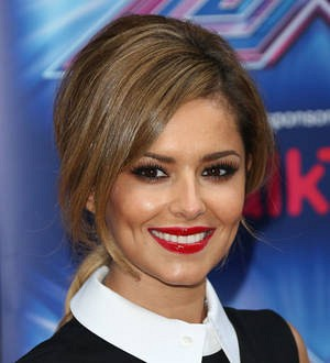 Cheryl Cole donating perfume profits to charity