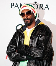 SUNDAY MUSIC VIDS: Snoop Dogg/Lion