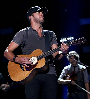 Luke Bryan postpones farm concert due to rain