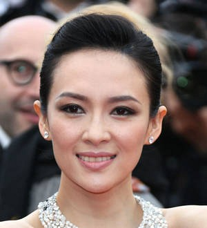 Actress Zhang Ziyi engaged
