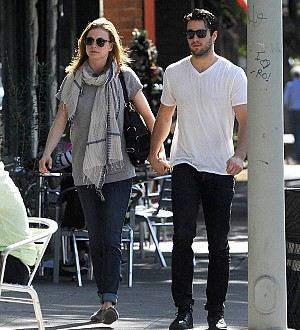 Emily VanCamp engaged to Revenge co-star Josh Bowman