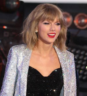 Taylor Swift surprises fan with check to contribute to student debt