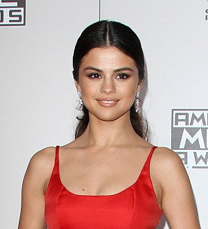 Selena Gomez Attends Therapy Five Times a Week