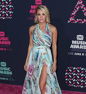 Carrie Underwood donates grant to girls' sports teams