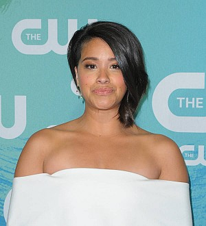 Gina Rodriguez lends student a dress for prom