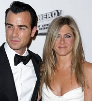 Jennifer Aniston's rep: 'Star is not pregnant with twins'