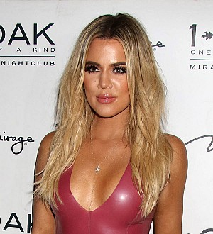 Khloe Kardashian denies dating NFL player