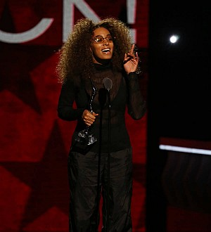 Solange to honor art hero with performance piece