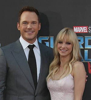 Anna Faris documents husband's Walk of Fame preparation on Twitter