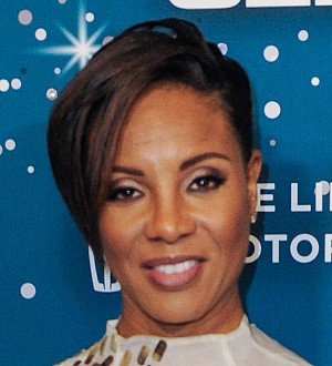Rapper MC Lyte engaged