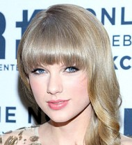 Taylor Swift mixes with Kennedy clan at awards dinner