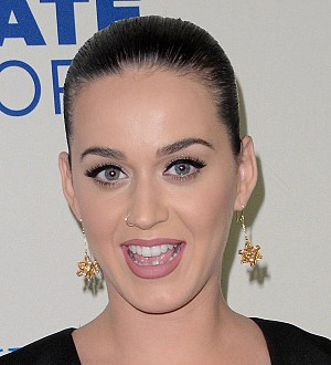 Katy Perry treats loved ones to private Home Alone screening