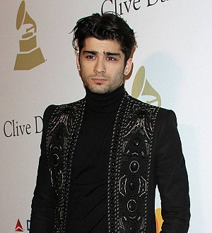 Zayn Malik suffers foot injury