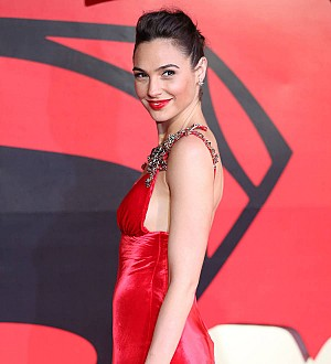 Gal Gadot: 'Bisexual Wonder Woman 'makes sense'