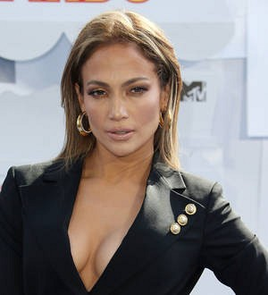 Jennifer Lopez launches weight loss challenge