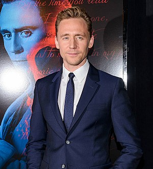 Tom Hiddleston flirts with 007 role