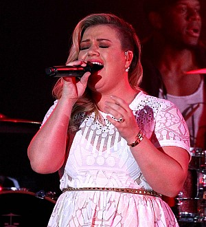 Kelly Clarkson 'blackmailed' into working with Dr. Luke