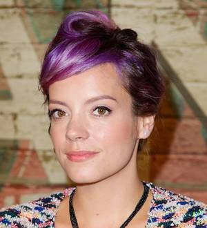 Lily Allen suffers burns in gas explosion