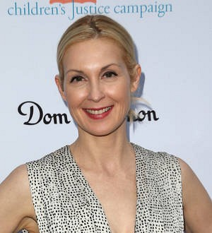 Kelly Rutherford wins sole custody of kids after three-year battle with ex