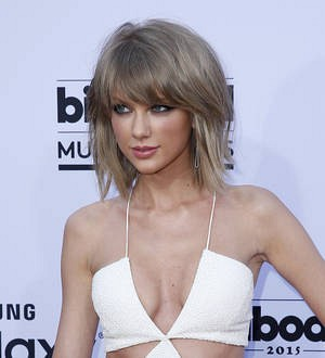Teen falls from balcony during Taylor Swift show
