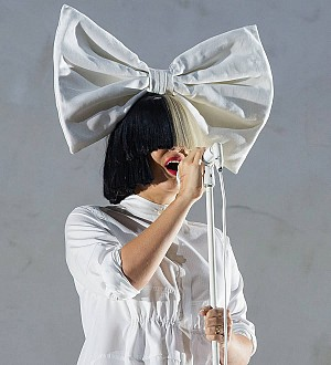 Sia: 'I always sing my heart out live'