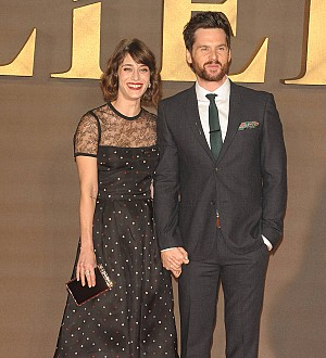 Lizzy Caplan weds in Italy