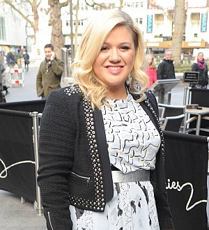 Kelly Clarkson wants duet with Sam Smith