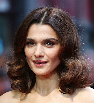 Rachel Weisz considered changing difficult last name