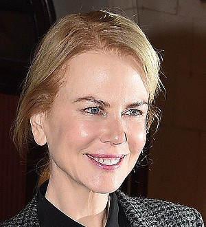 Nicole Kidman's play stopped as co-star collapses