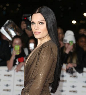 Jessie J cancels gigs following mystery surgery