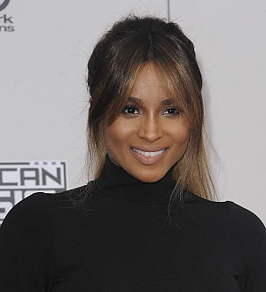 Ciara signs with Warner Bros.