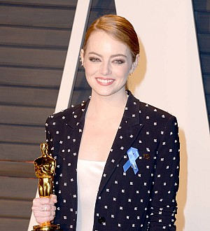 Emma Stone sends prom corsage to Arizona teen