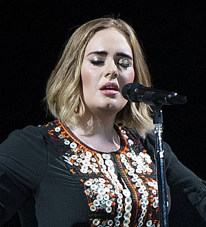 Adele: 'I'd tell you if I'd got married!'
