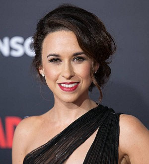 Lacey Chabert announces pregnancy