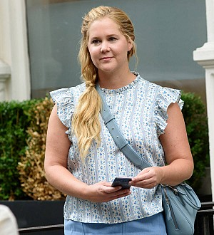 Amy Schumer dines at restaurant where she used to be a waitress