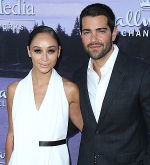 Jesse Metcalfe engaged