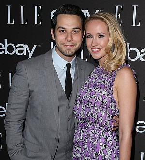 Anna Camp and Skylar Astin host joint bachelor-bachelorette party